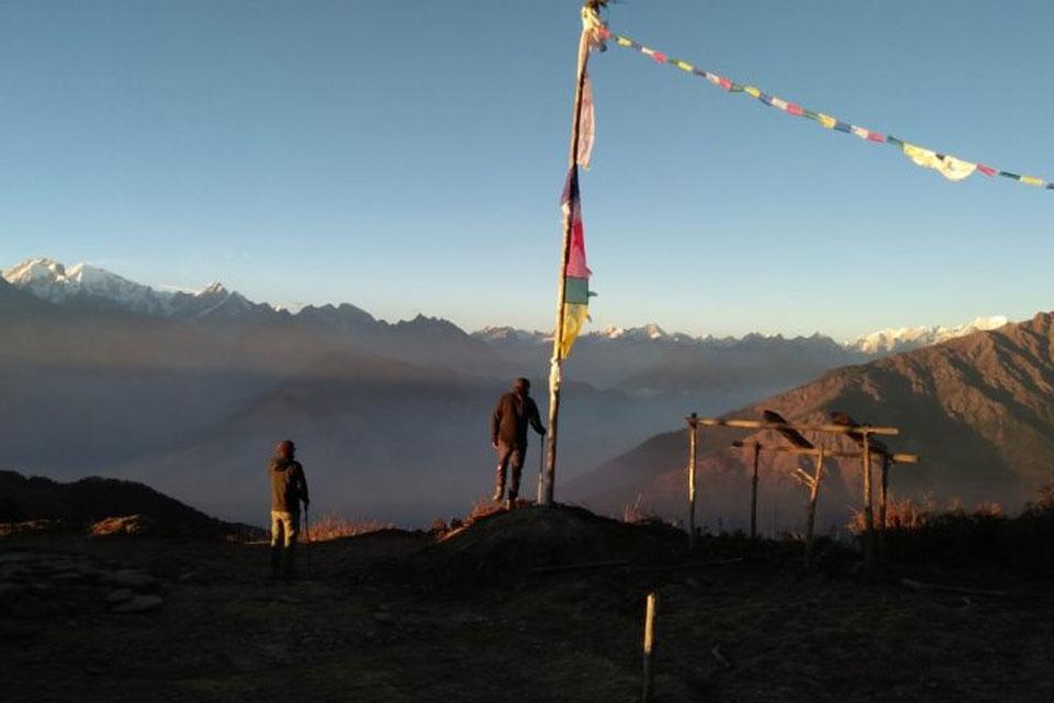 Langtang Kyangin Ri Hiking