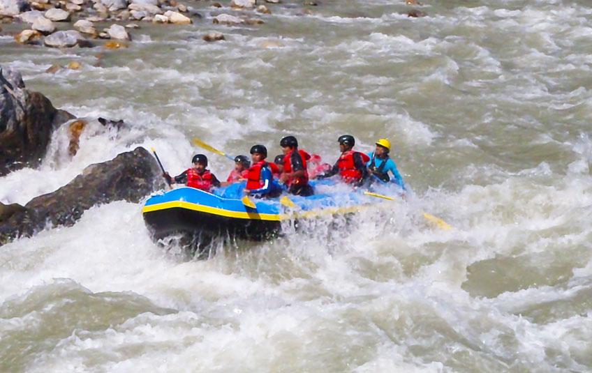River rafting Kayaking