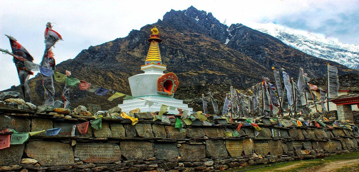Naya Kanga Peak climbign in Langtang